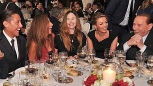 Roma, si rivede Noemi Letizia a tavola con Silvio e Francesca