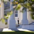 """Intruso alla Casa Bianca sicurezza sotto accusa """"Non accadrà mai più"""""""