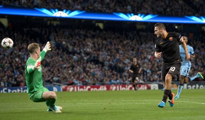 Totti guida la Roma, pari d'oro a Manchester   ft