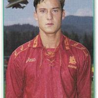 Vent'anni di Totti giallorosso: l'album delle figurine Panini