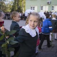 Ucraina, colpi di mortaio su una scuola di Donetsk: 10 morti, illesi i bambini