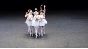 Le danzatrici 'imbranate' il balletto è una comica