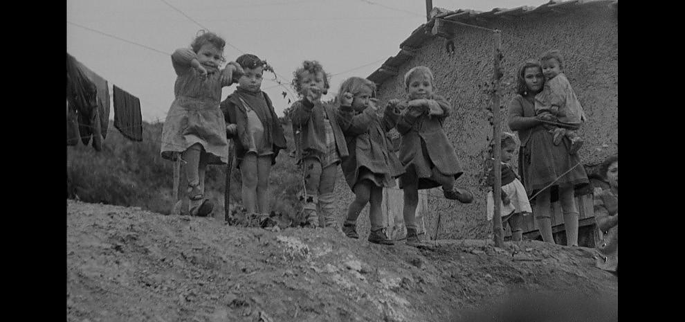 """""""9 x 10 Novanta"""" in anteprima l'Italia del Luce raccontata dai giovani registi"""