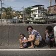 Brasile, scontro a fuoco per ore tra banditi e polizia    Video   Tra gli spari