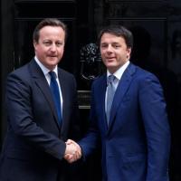 Londra, Matteo Renzi a Downing Street incontra David Cameron