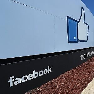Ue: ok acquisizione WhatsApp da parte di Facebook