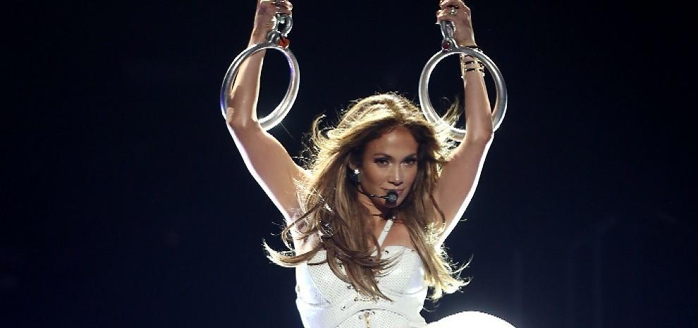 """La carica di Jennifer Lopez: """"Da 'Booty' a 'The Fosters' seguo solo le mie passioni"""""""