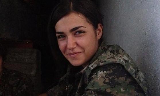 Siria, comandante curda si fa saltare contro jihadisti dell'Is che assediano Kobane