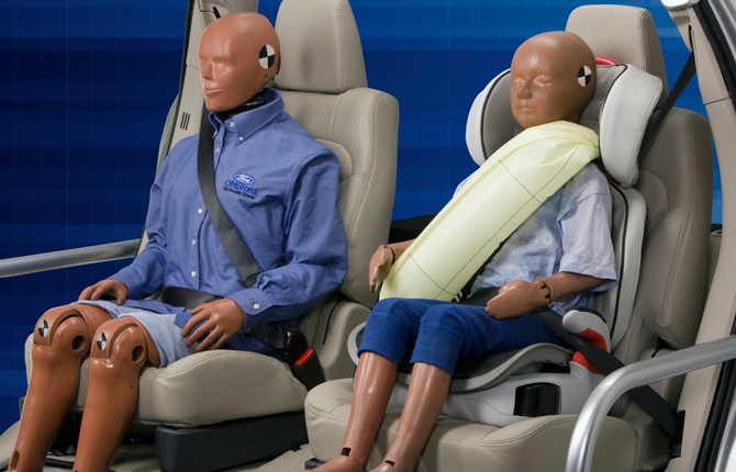 Cinture di sicurezza con air-bag integrato, rivoluzione Ford