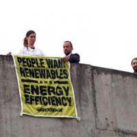 """""""Le persone vogliono le rinnovabili"""", il messaggio di Greenpeace ai ministri Ue"""