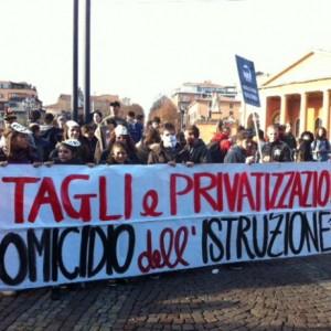 """""""Non è una #BuonaScuola"""", studenti in piazza il 10 ottobre contro la riforma"""