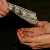 Più si è ricchi meno si dona. Lo dice una ricerca Usa