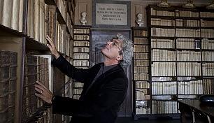 Nella biblioteca dei Conti: sui veri luoghi di famiglia