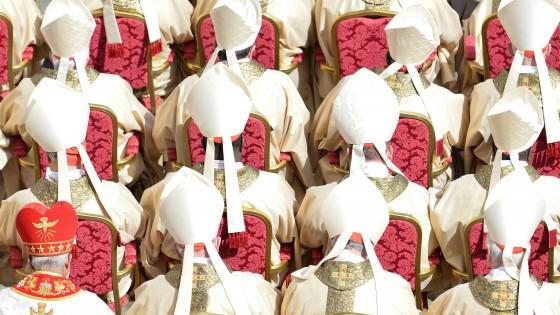 """Sigarette scontate per i cardinali"". Ecco i benefit del Vaticano"