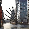 Londra, il ponte ventaglio: spettacolo solo per pedoni