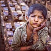 """Teheran, dopo la """"dolce vita"""" tocca ai poveri"""
