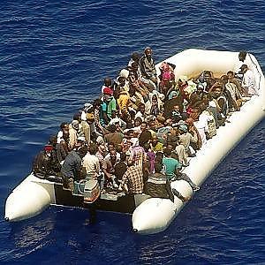 Migranti, un numero d'emergenza per i barconi in difficoltà