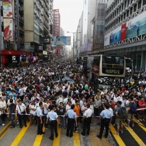 Anonymous minaccia Pechino e le autorità di Hong Kong