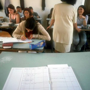 Dispersione scolastica record, e il governo taglia i fondi