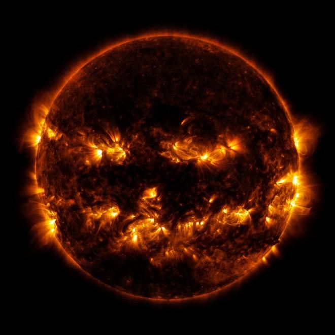 Halloween si avvicina, il sole sembra una zucca nelle foto della Nasa