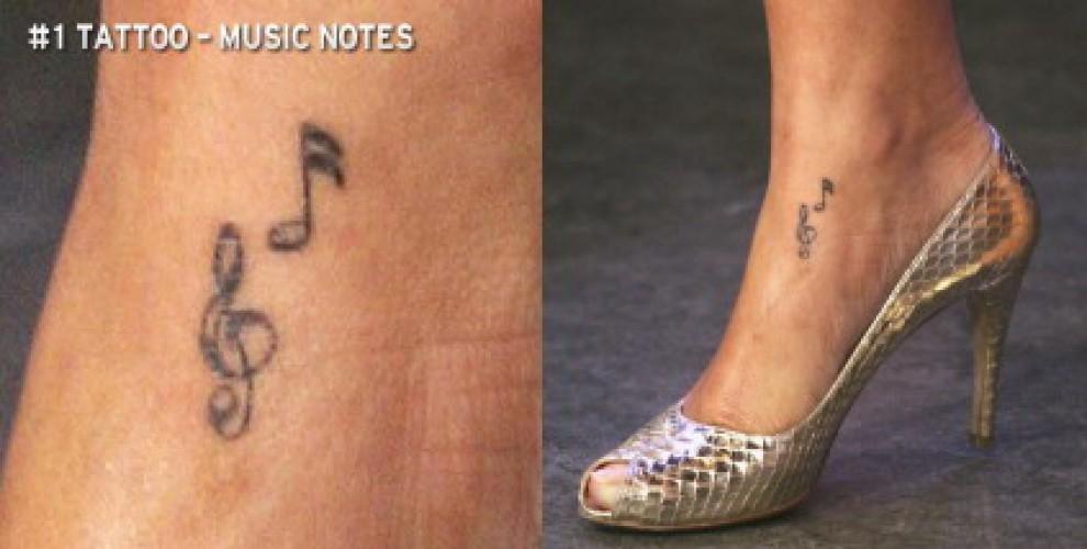 """Rihanna mette in mostra i suoi 20 tatuaggi: """"E' una cultura che studio"""""""