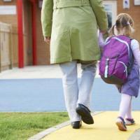 Un terzo dei bambini va scuola a piedi, più pigri i genitori