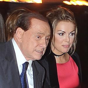 """Berlusconi: """"Brogli elettorali a politiche, pronti a lanciare Fi in comuni sotto i 5000 abitanti"""""""