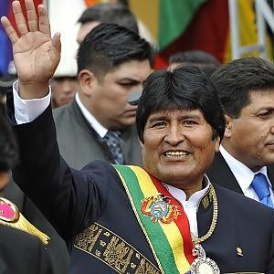 Morales trionfa alle elezioni presidenziali in Bolivia: è il terzo mandato