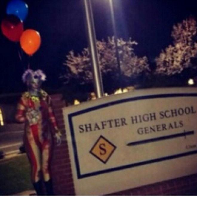 Quei clown che camminano di notte: mistero in California - Repubblica.it