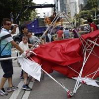 Hong Kong, Anonymous mantiene promessa: attaccati siti-web Cina