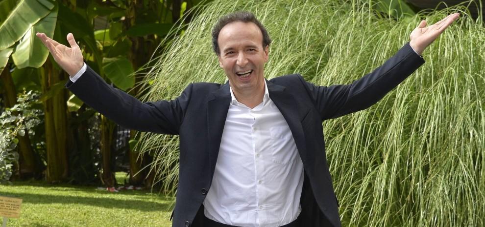 """Benigni, due serate su Rai 1 dedicate ai """"Dieci comandamenti"""": """"Faccio presto, ho paura che Renzi li cambi"""""""