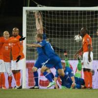 Qualificazioni Europei, l'Islanda manda in crisi l'Olanda. Pari tra Bosnia e Belgio. Norvegia, storico Odegaard