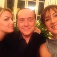Vladimir Luxuria ad Arcore: su Twitter le foto con Berlusconi, Pascale e Dudù