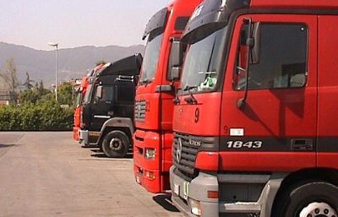 Furti di camion ormai allarme - Foto di grandi camion ...