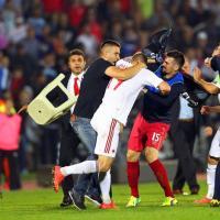 """Euro2016, drone con scritto """"Kosovo libero"""": sospesa Serbia-Albania"""