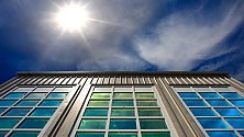 Le finestre del futuro  producono energia  di ELENA RE GARBAGNATI (*)