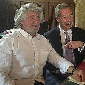 M5s, dissolto gruppo europeo con Farage. Sfiorata rissa in assemblea