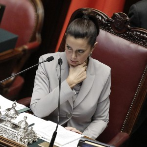 """Boldrini richiama Renzi: """"Uso eccessivo dei decreti altera assetto costituzionale"""""""