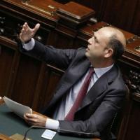 """Minaccia dei senatori Ncd: """"Accordo col Pd in Calabria o faremo cadere il governo"""""""