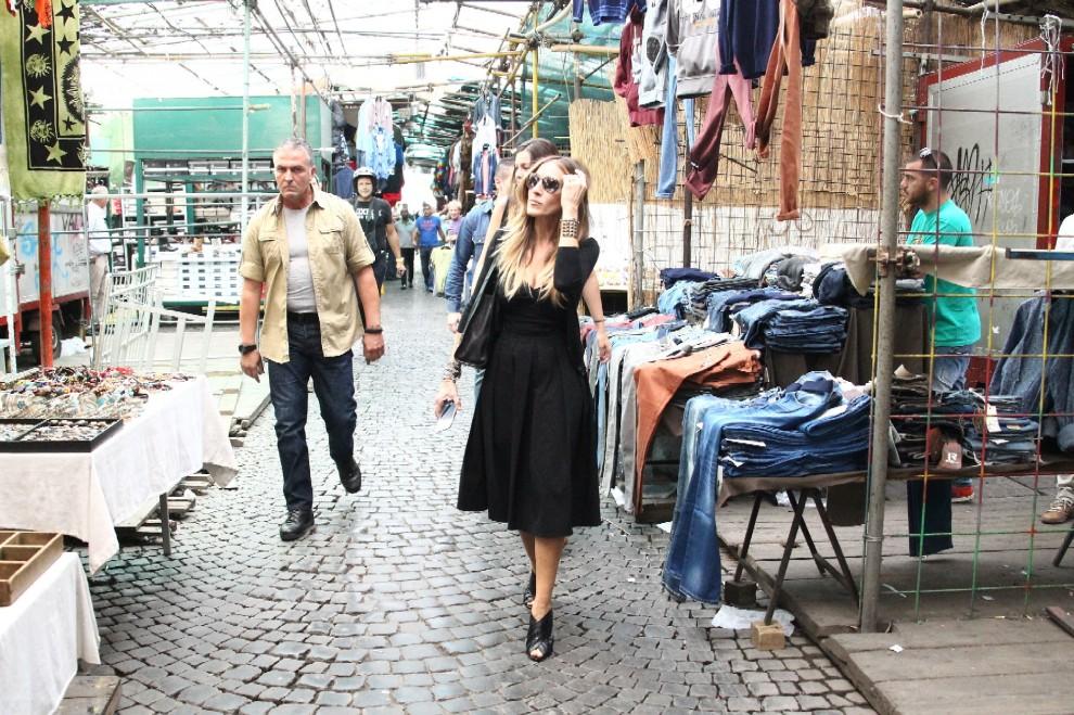 Da New a York a via Sannio: Sarah Jessica Parker al mercato dell'usato