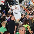 """Milano, Lega in piazza contro l'immigrazione.  Corteo sinistra: """"Razzisti"""""""