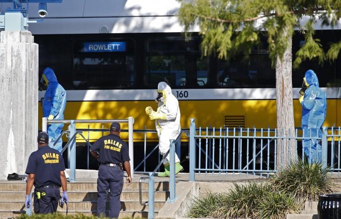"""Ebola, guarita l'infermiera spagnola. L'Oms ammette errori: """"Abbiamo sottovalutato"""""""
