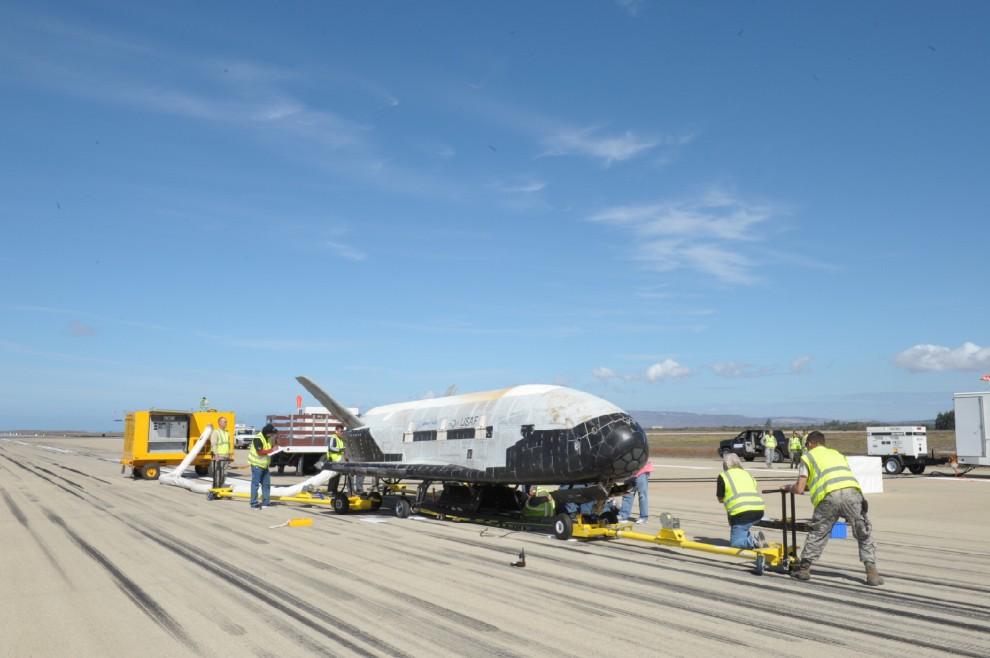I misteriosi test del drone spaziale americano X37B