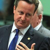 Gb, Cameron sfida Ue: quote immigrati contro libertà circolazione. Barroso, principi...