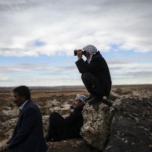 Ultime Notizie: Is, Usa lanciano armi a curdi di Kobane. Turchia concede transito a peshmerga iracheni