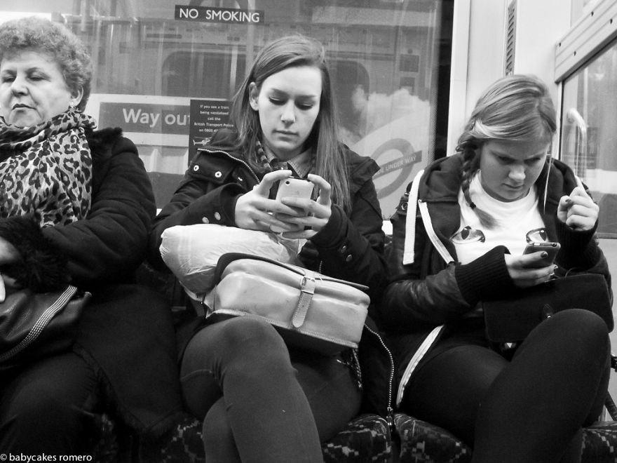 Fine delle conversazioni: l'alienazione tecnologica in un fotoprogetto