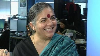 """Vandana Shiva: """"Gli Ogm molto più cari  dei prodotti biologici""""   Videointervista"""