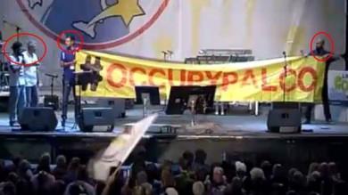 Cinque Stelle, espulsi i contestatori del Circo Massimo -   Il video: sul palco