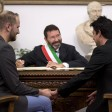 """Nozze gay, lettera prefetto al sindaco di Roma: """"Annulli trascrizioni o le cancello io"""""""