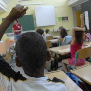 """Cittadinanza più rapida per i bambini stranieri. Renzi: """"Ius soli temperato, sarà sufficiente un ciclo scolastico"""""""